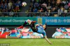 [高清组图]卡瓦尼惊天倒钩 乌拉圭两球完胜捷克