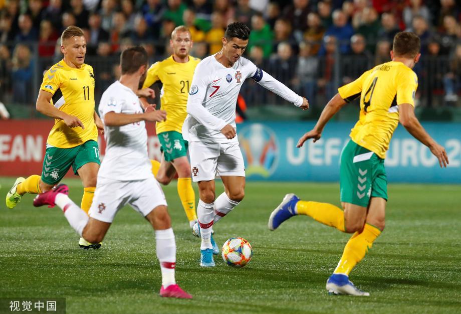 [图]C罗大四喜曼城大将2助攻 葡萄牙5-1获连胜