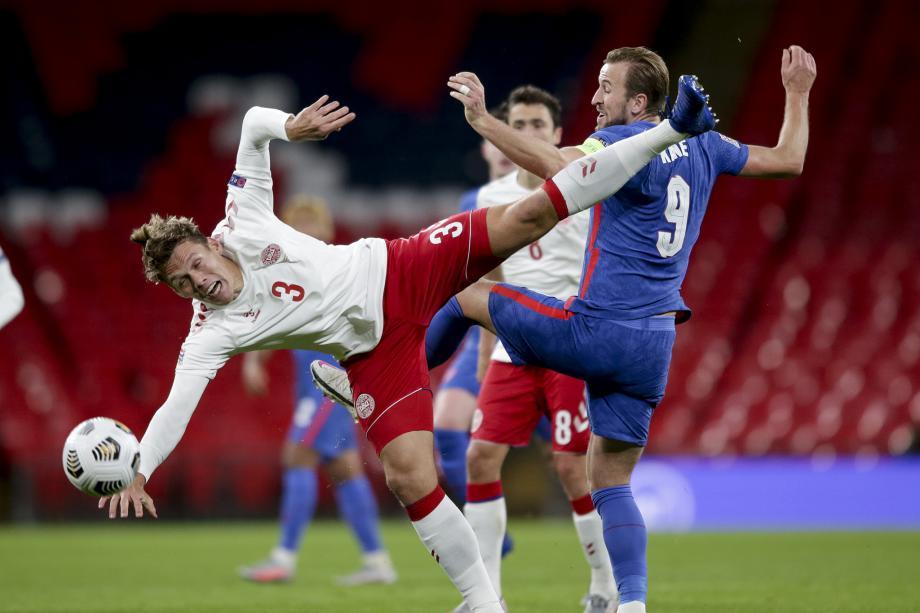 欧国联-埃里克森点杀 2人红牌英格兰主场负丹麦