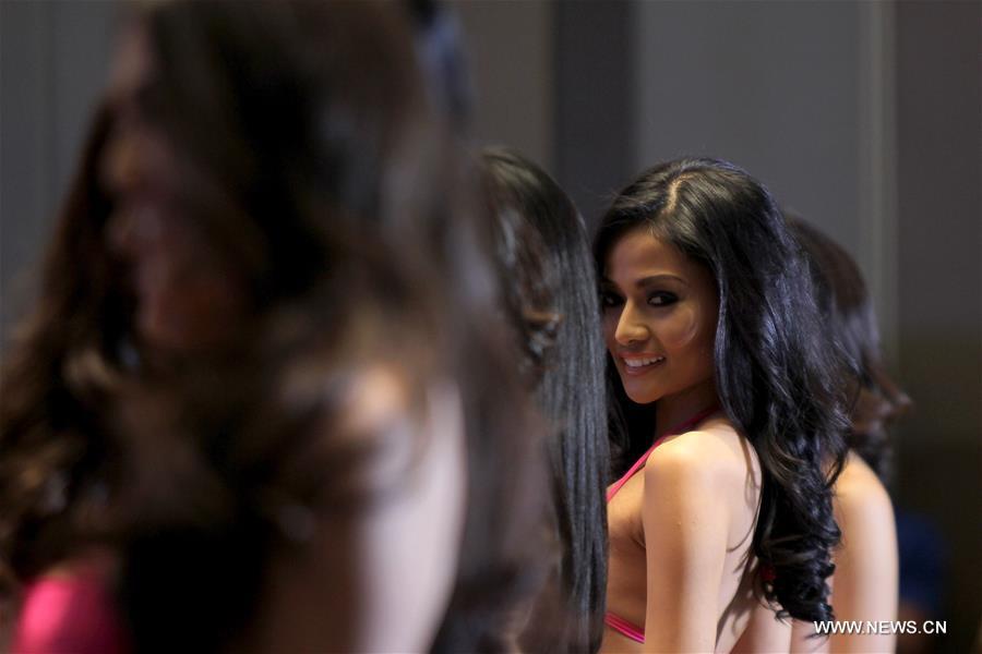 Кандидаты в Мисс Филиппин в театрализованных представлениях