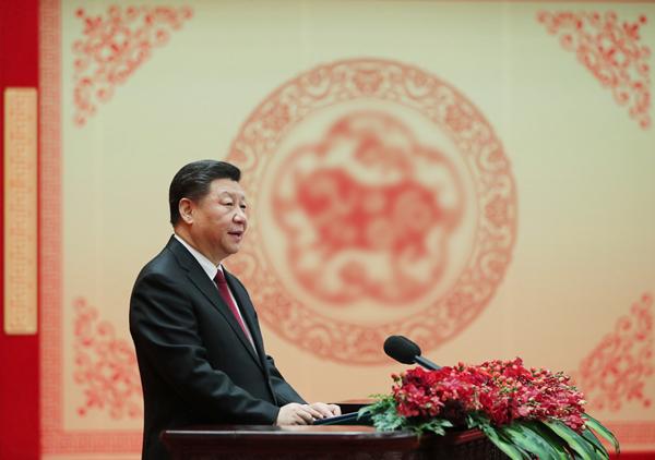 2019年2月3日,中共中央、国务院在北京人民大会堂举行2019年春节团拜会。中共中央总书记、国家主席、中央军委主席习近平发表讲话。