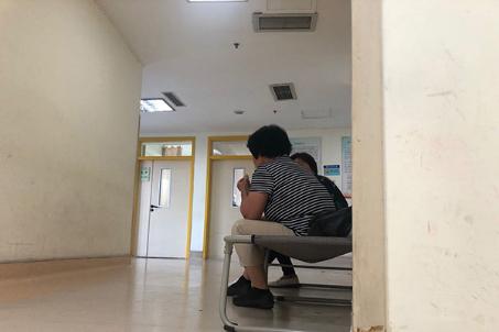 医院重症室外冷暖7日:一墙之隔,等你醒来
