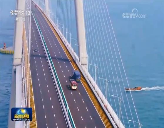 【新学期的打算400字】港珠澳大桥通车一年车流量超150万