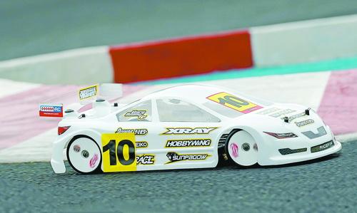 搭载三圈Sunpadow模型动力锂电池的车辆模型。